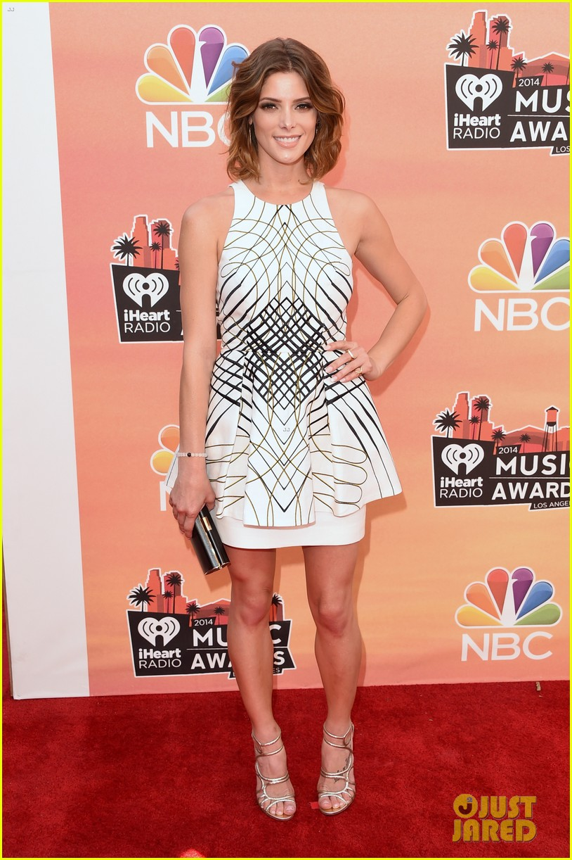 ashley greene iheartradio music awards 2014 05