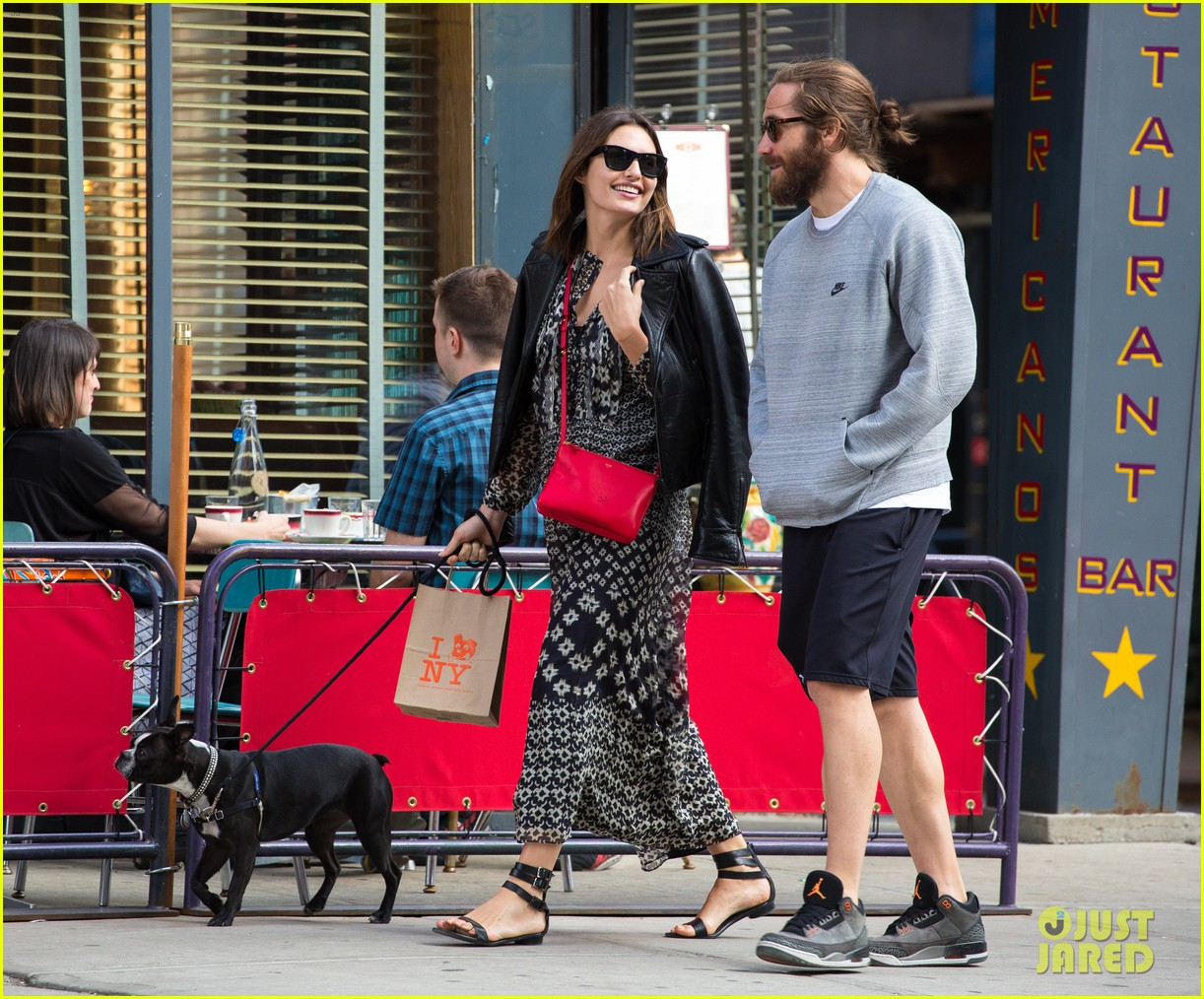 jake gyllenhaal alyssa miller first spotting in months 12
