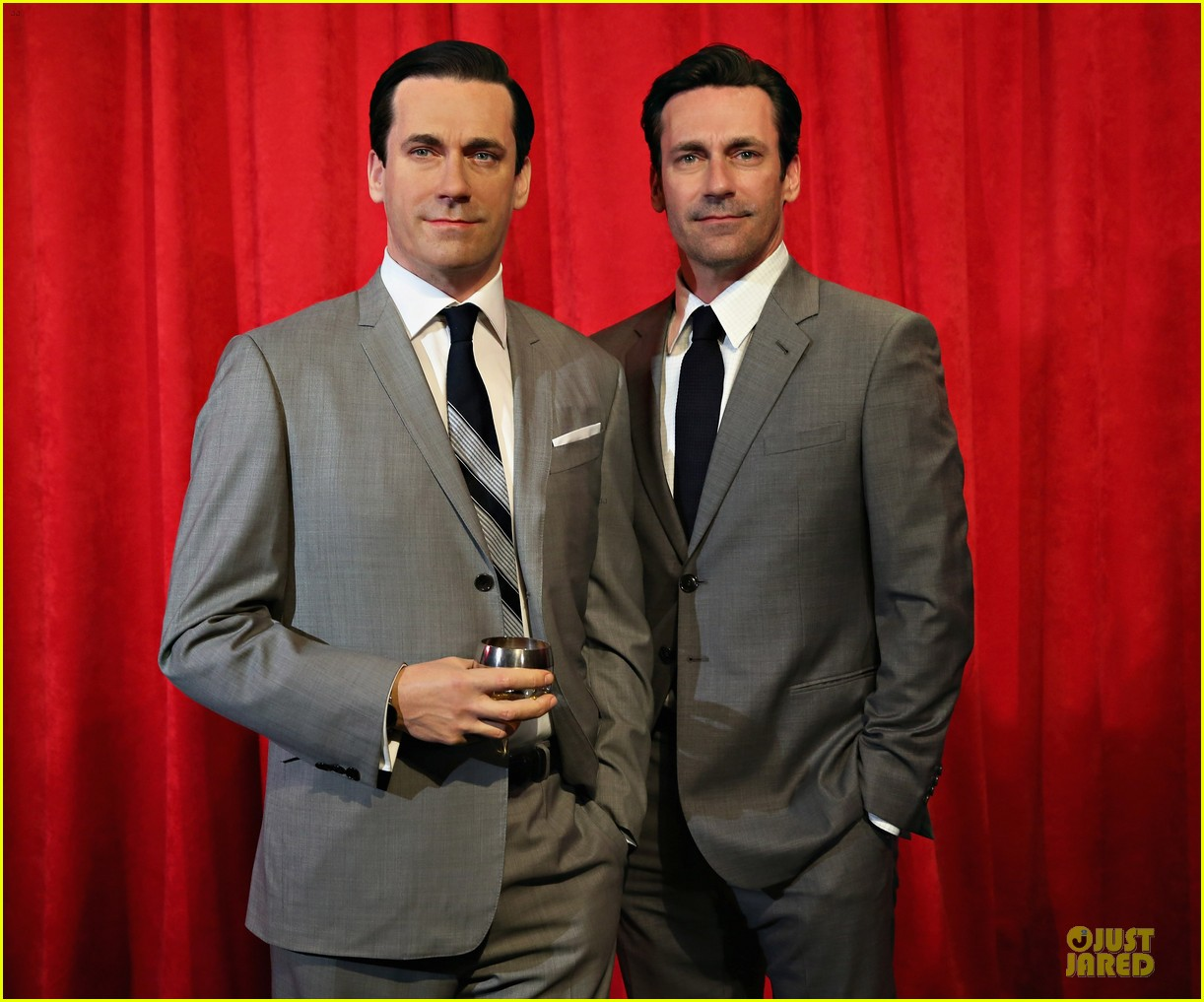 jon hamm happy selfie with wax figure 073109785