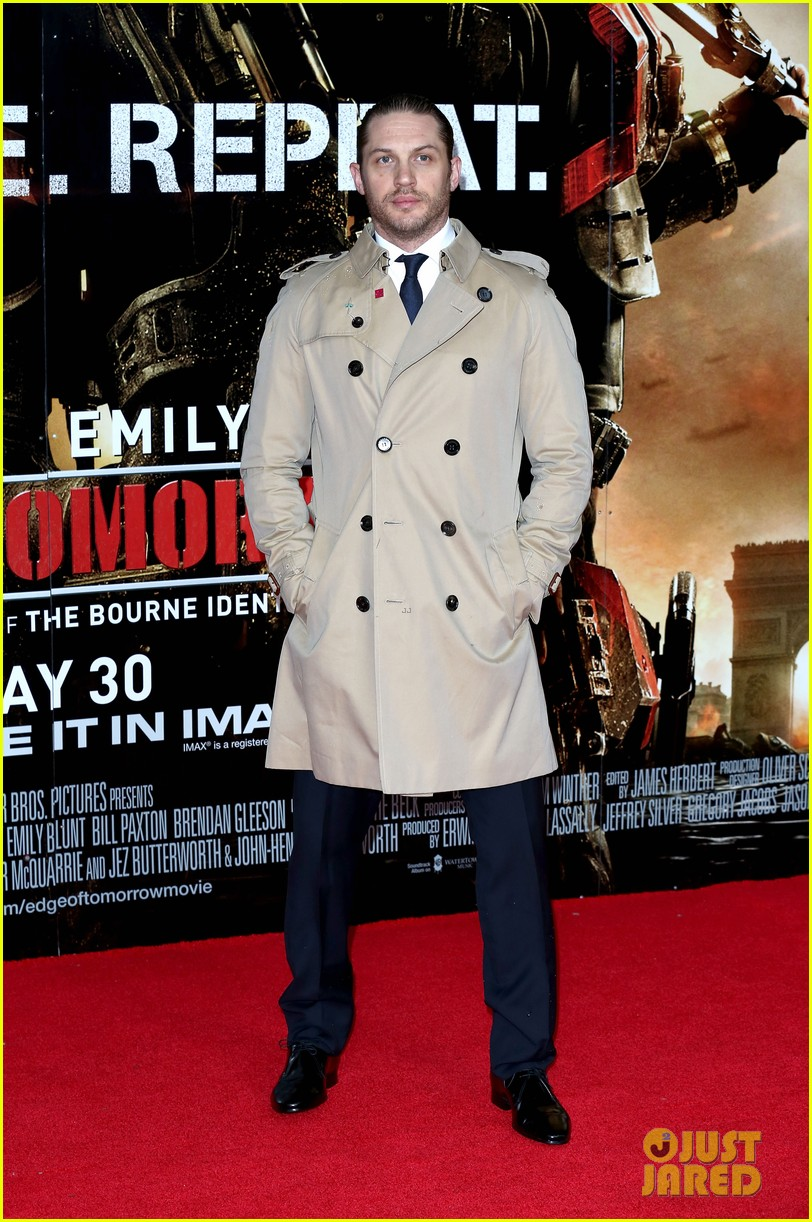 tom hardy supports girlfriend charlotte riley at edge of tomorrow london premiere 01