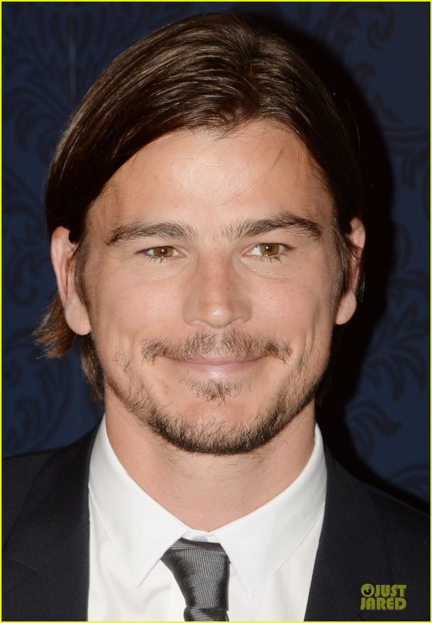 josh hartnett blissful moment with coffee maker 16