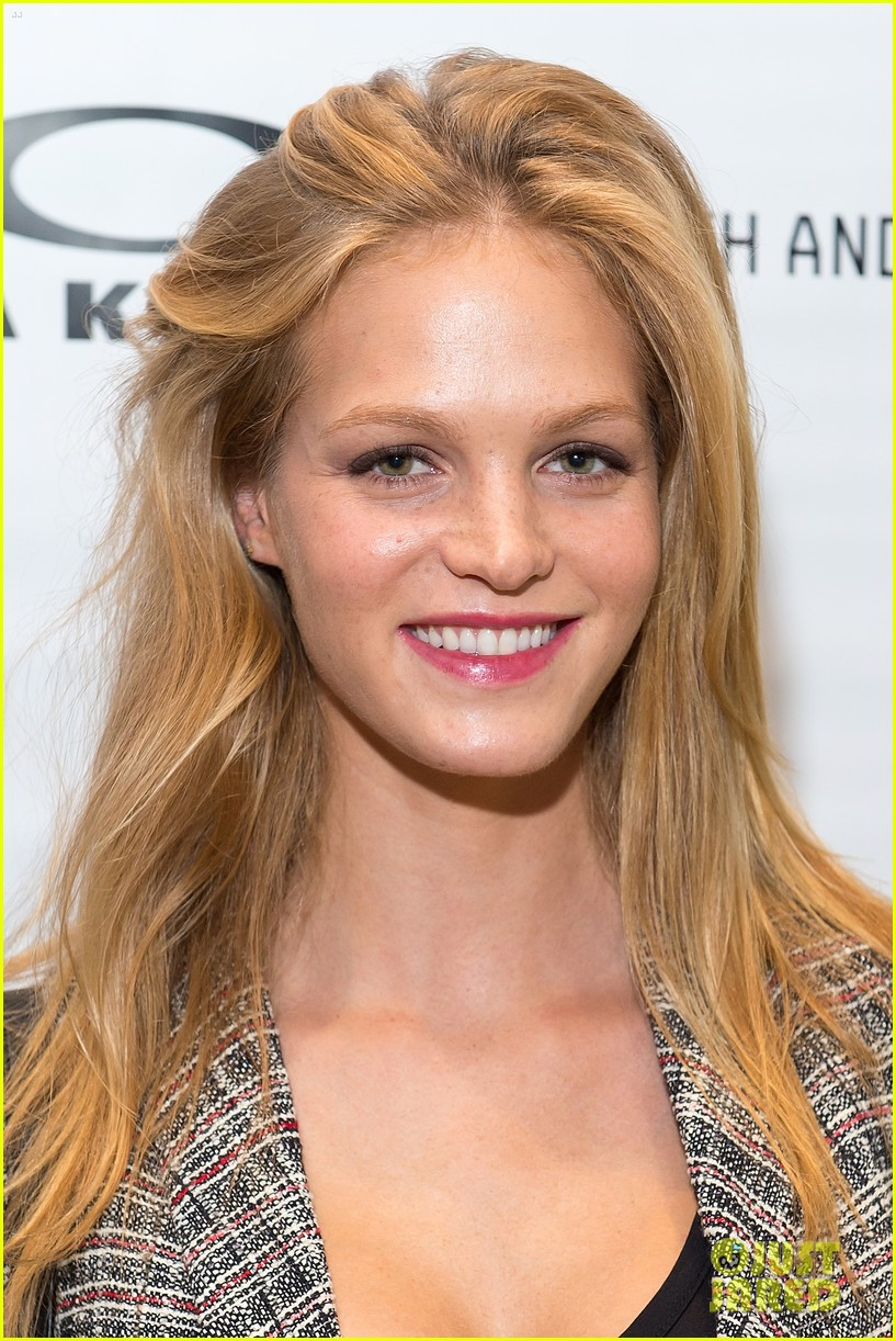 erin heatherton tries on some sleek shades oakley store opening 06