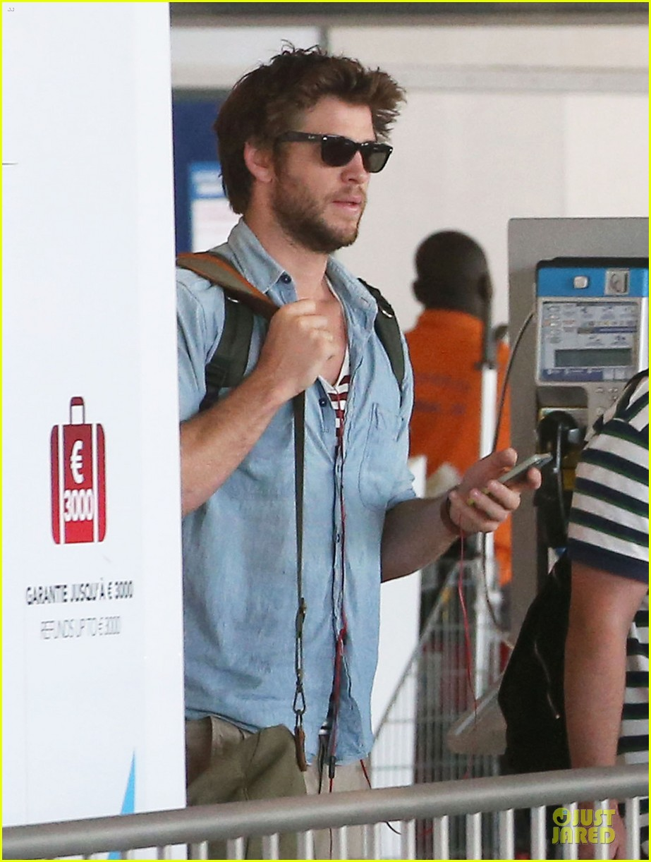 liam hemsworth evan ross parisian lunch 023107028