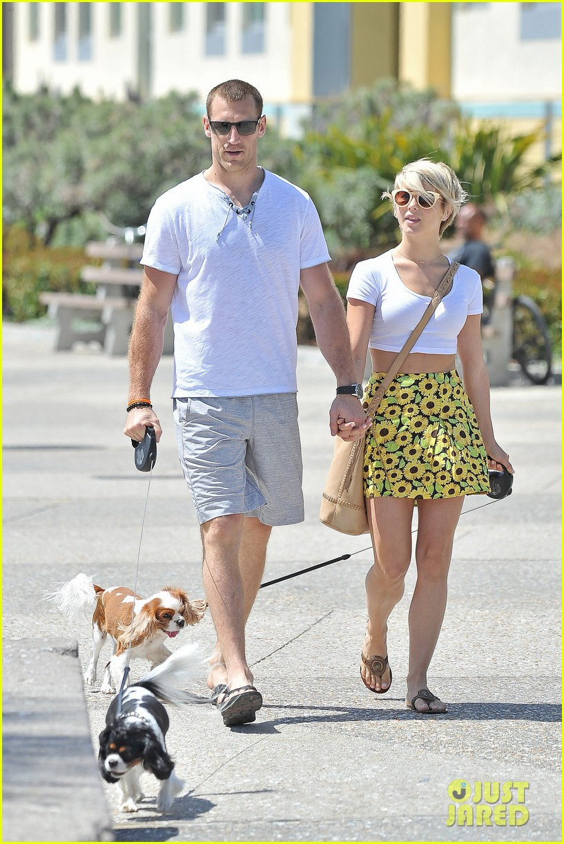 julianne hough brooks laich look so in love 07