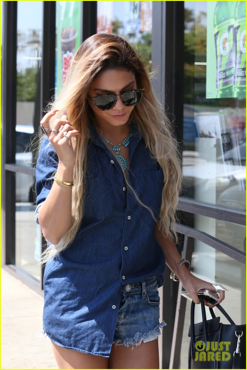 vanessa hudgens double denim boat life 09