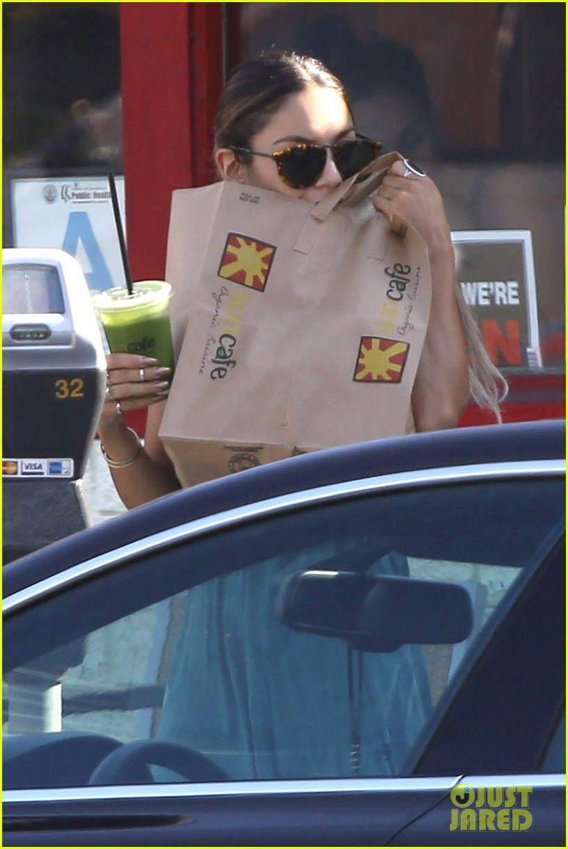 vanessa hudgens gets pampered on memorial day 093122513