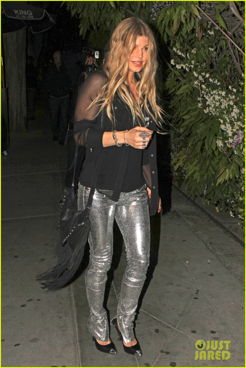 kate hudson fergie buddy up at chrome hearts party 10