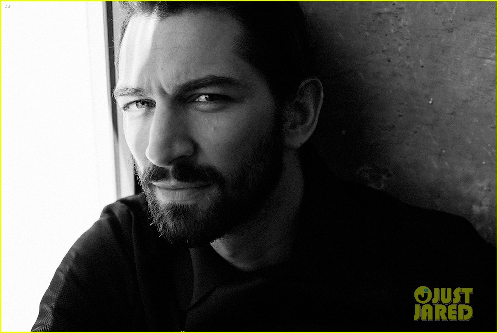 michiel huisman strips down butt naked on game of thrones 07