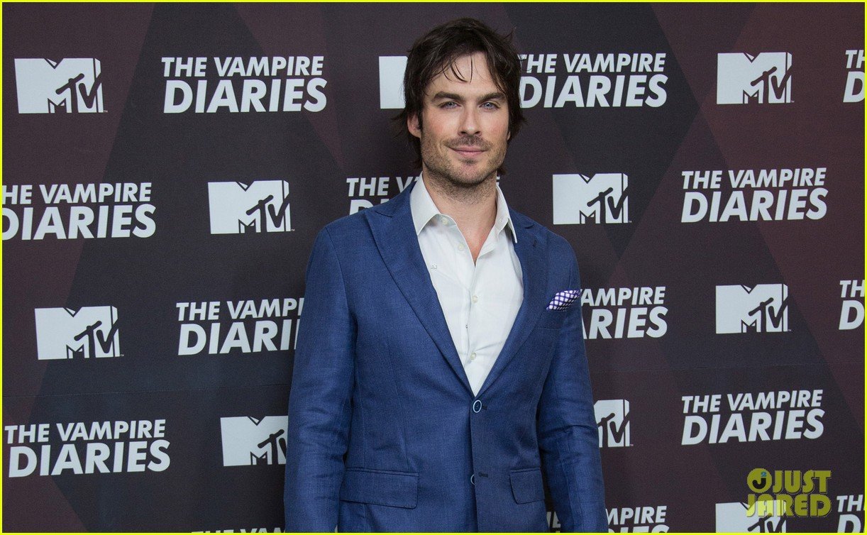 ian somerhalder handsome as ever in mexico city 04