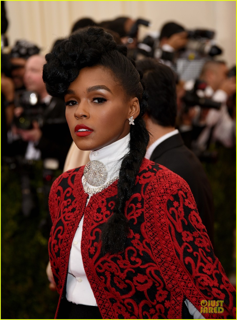 janelle monae devilish red met ball 2014 02