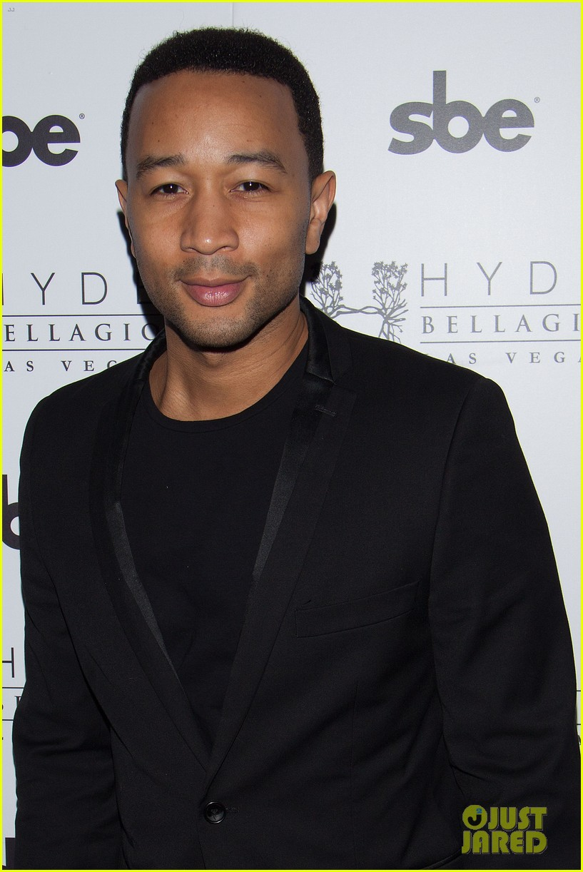 john legend brings bellagio wife chrissy teigen 043116609