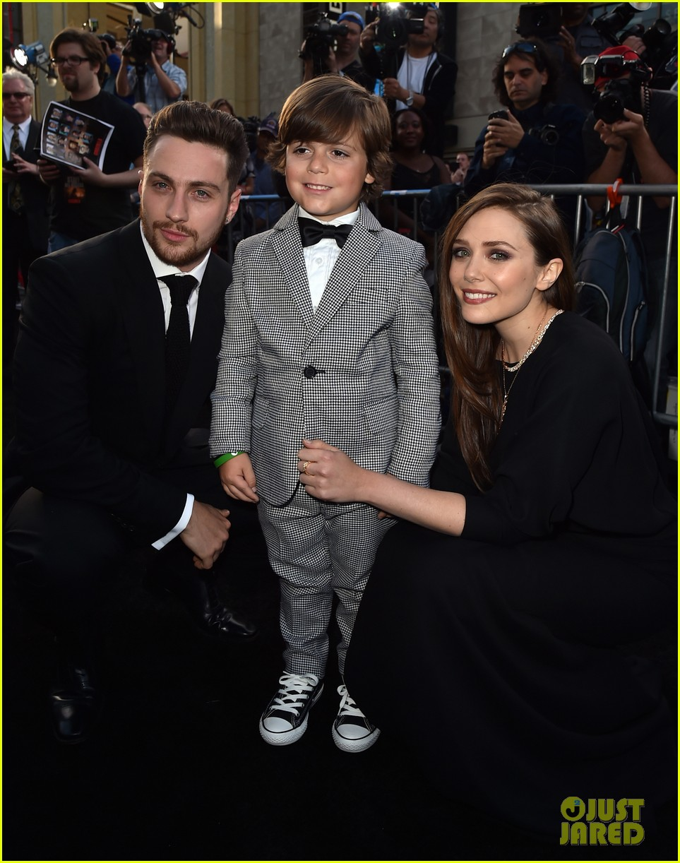 aaron taylor johnson brings wife sam to godzilla premiere 04