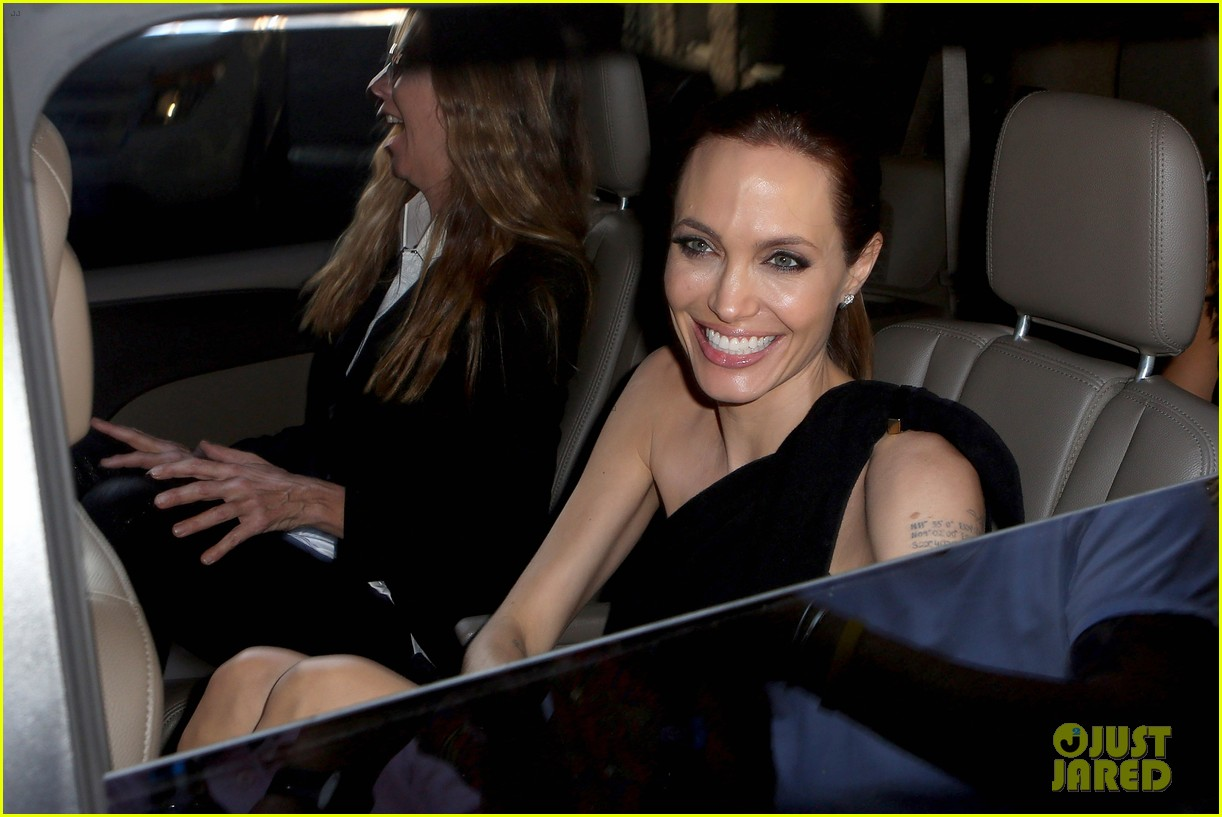 angelina jolie supports brad pitt make it right gala 06