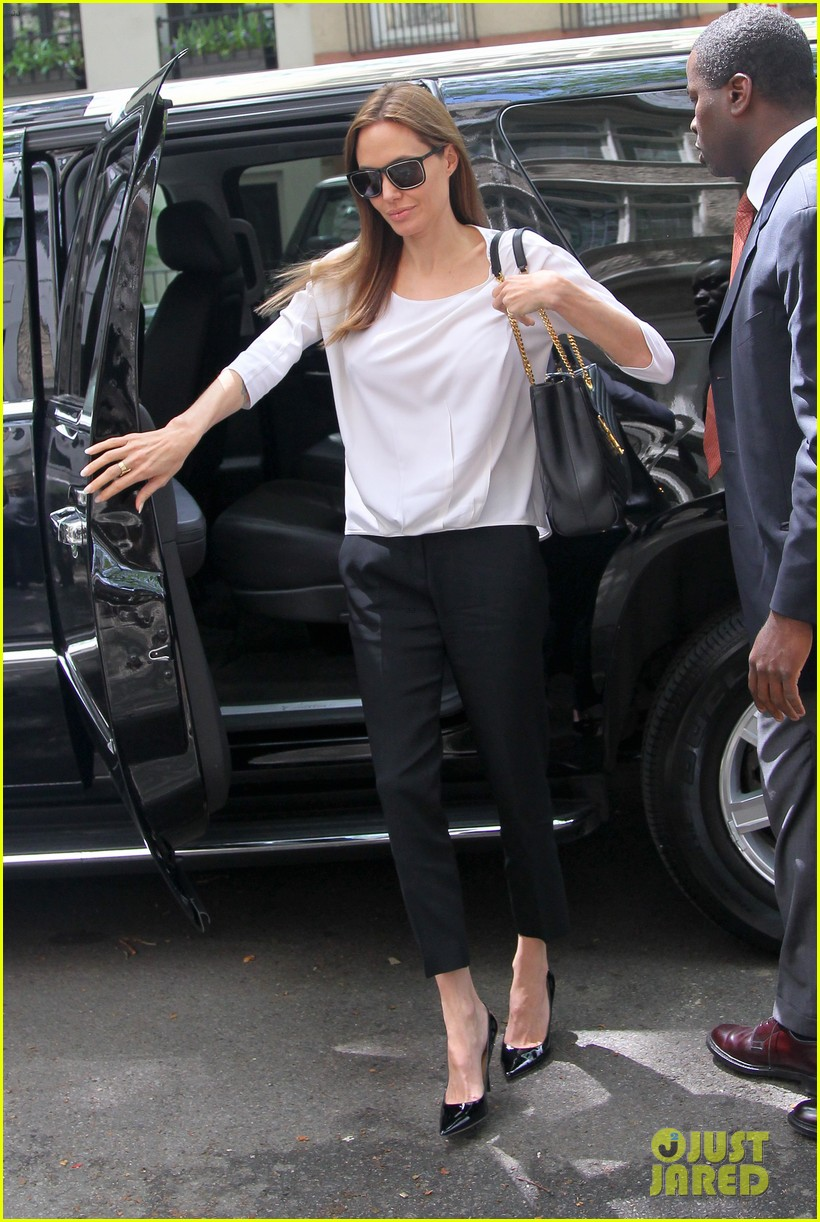 angelina jolie heads to meeting in new york city 083111535