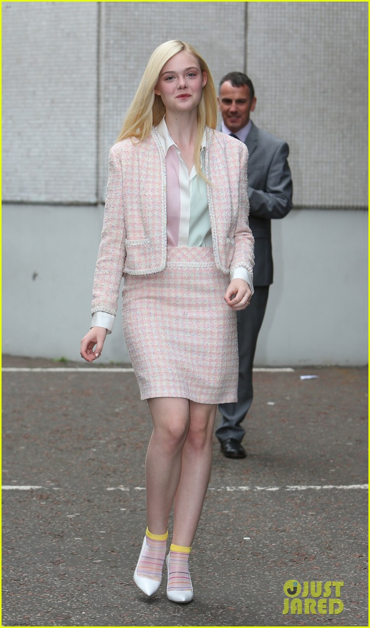 angelina jolie elle fanning are lovely in white at maleficent london 04