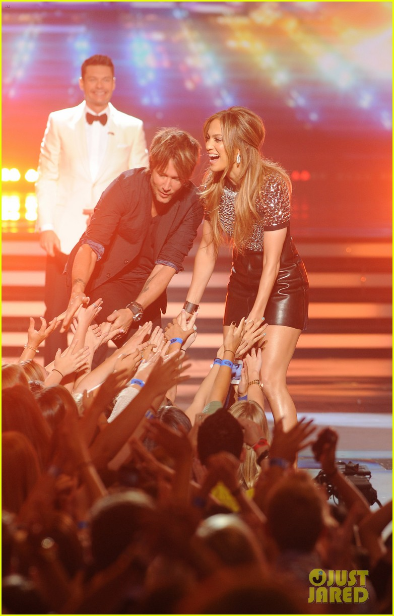 american idol judges will all perform on tonights finale 01