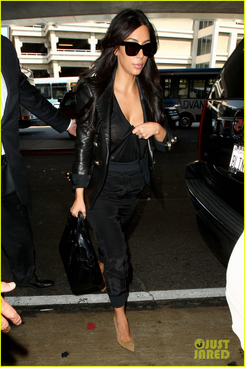 kim kardashian nipple peeks through sheer top at lax 043115883