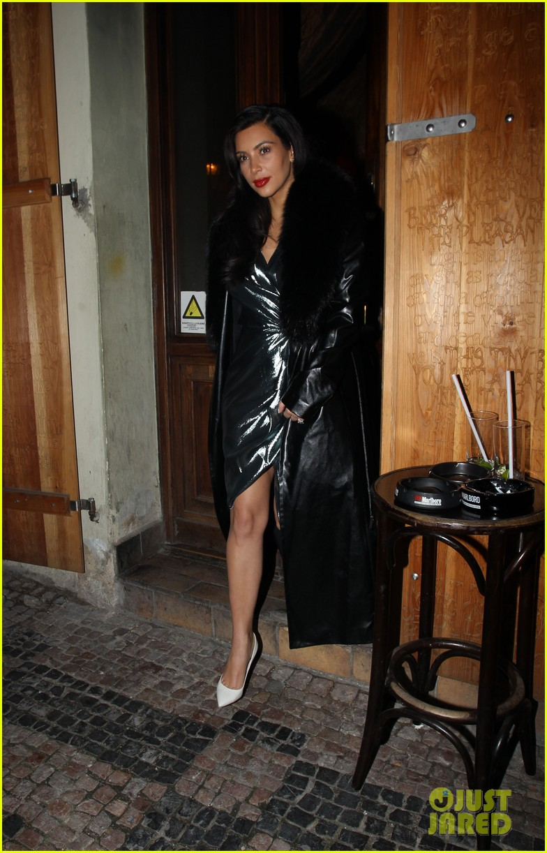 kim kardashian wears flashy dress for honeymoon date night 07