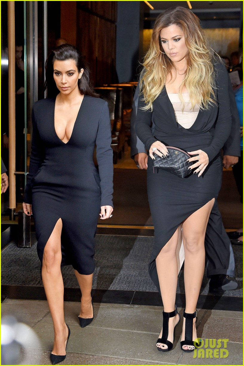 kim kardashian flashes major cleavage at nbcu upfronts 10