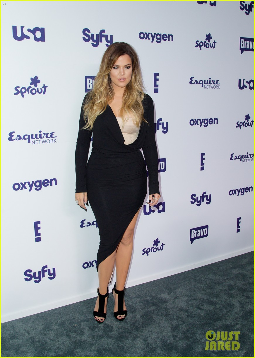 kim kardashian flashes major cleavage at nbcu upfronts 21