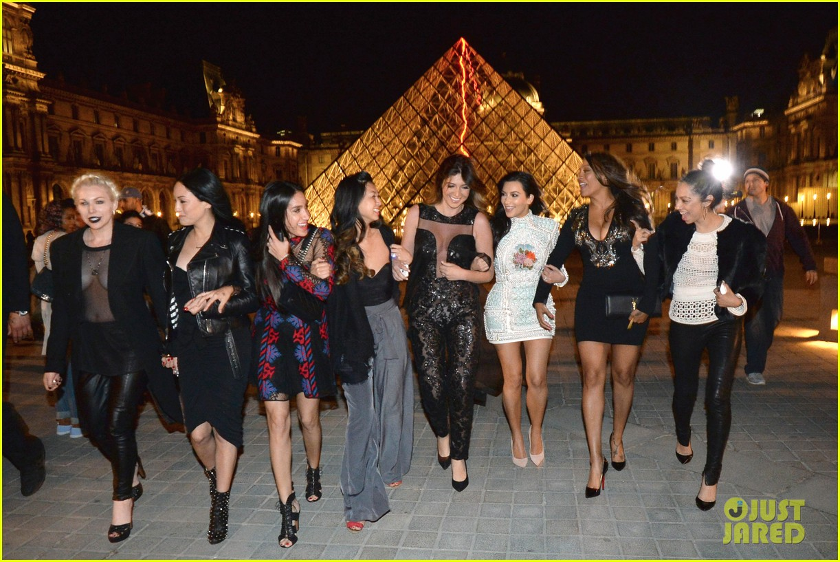 kim kardashian celebrates star studded bachelorette party 02