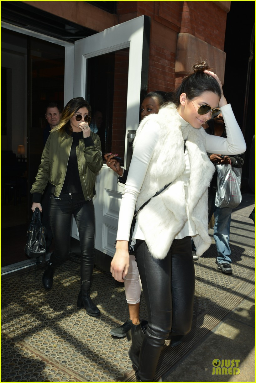 kendall kylie jenner boots in soho 043107508