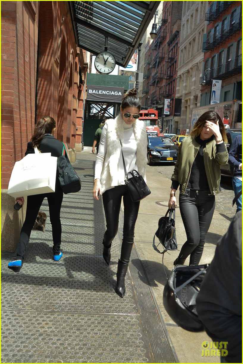 kendall kylie jenner boots in soho 06