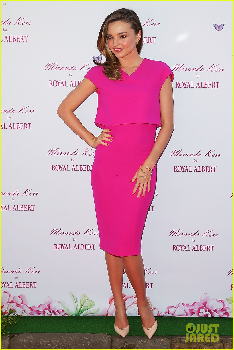 miranda kerr rocks two chic looks to promote her teaware 09