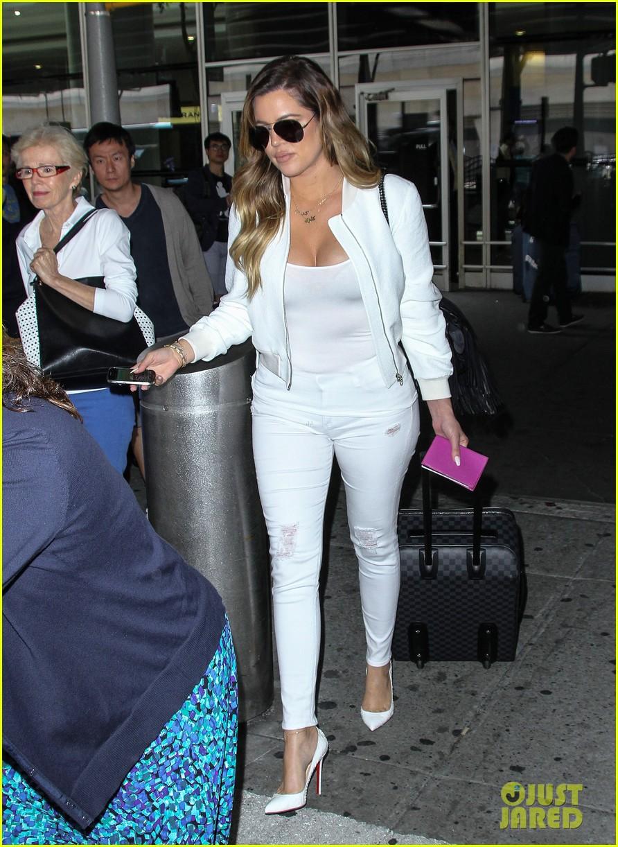 khloe kardashian wishes scott disick happy birthday mugshot 083122631