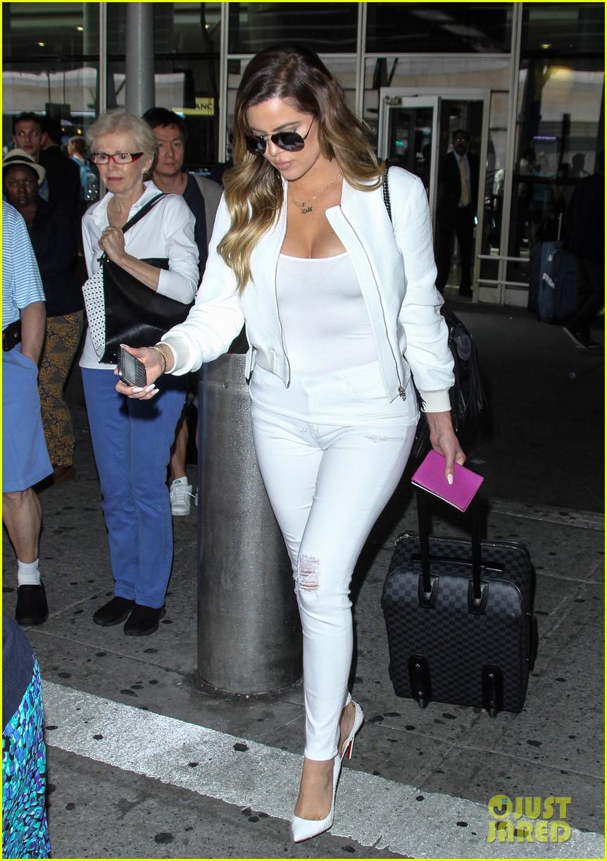 khloe kardashian wishes scott disick happy birthday mugshot 093122632