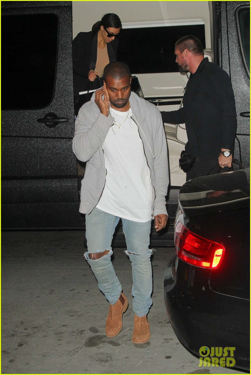 kim kardashian kanye west arrive in nyc after wedding rumors 14