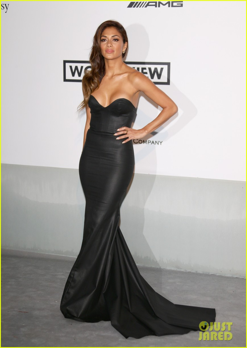 heidi klum rocks high slit dress at cannes amfar gala 2014 08