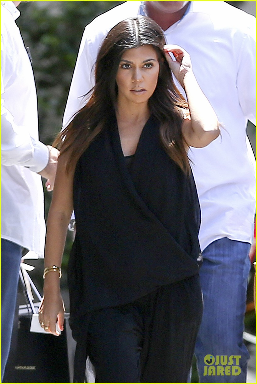 kourtney kardashian kris jenner attend kims bridal shower 063110250