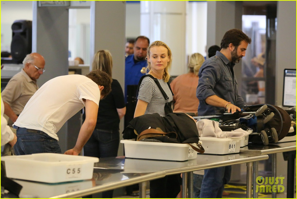 diane kruger joshua jackson take flight at lax 133103194