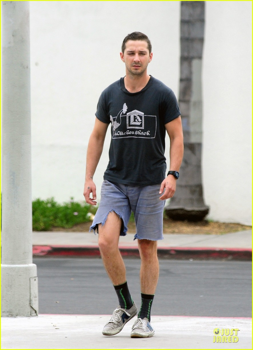 shia labeouf fried chicken chicken shack 043120149