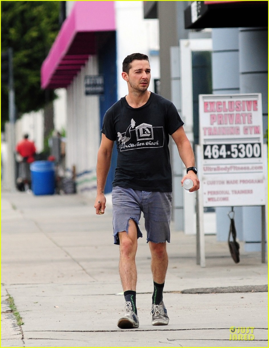 shia labeouf fried chicken chicken shack 06