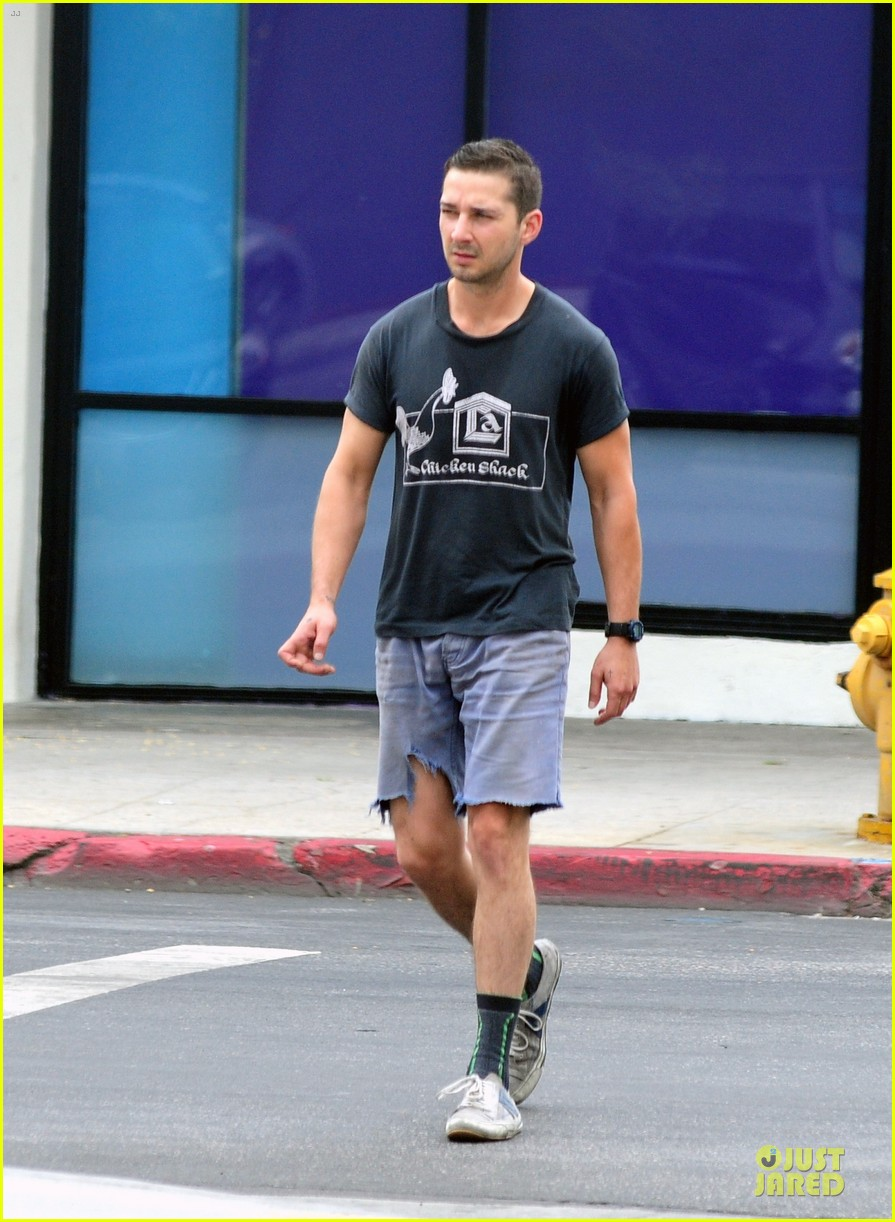 shia labeouf fried chicken chicken shack 10