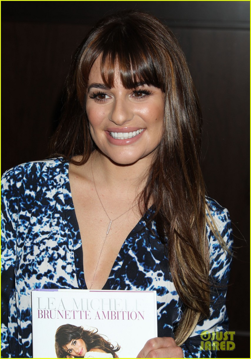 lea michele book signing grove brunette ambition 03
