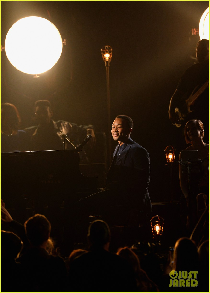 john legend all of me billboard music awards 2014 performance 02