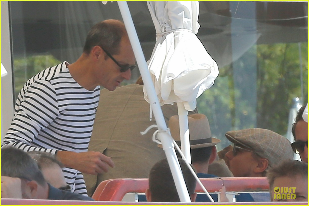 leonardo dicaprio toni garrn grab lunch with mom 12