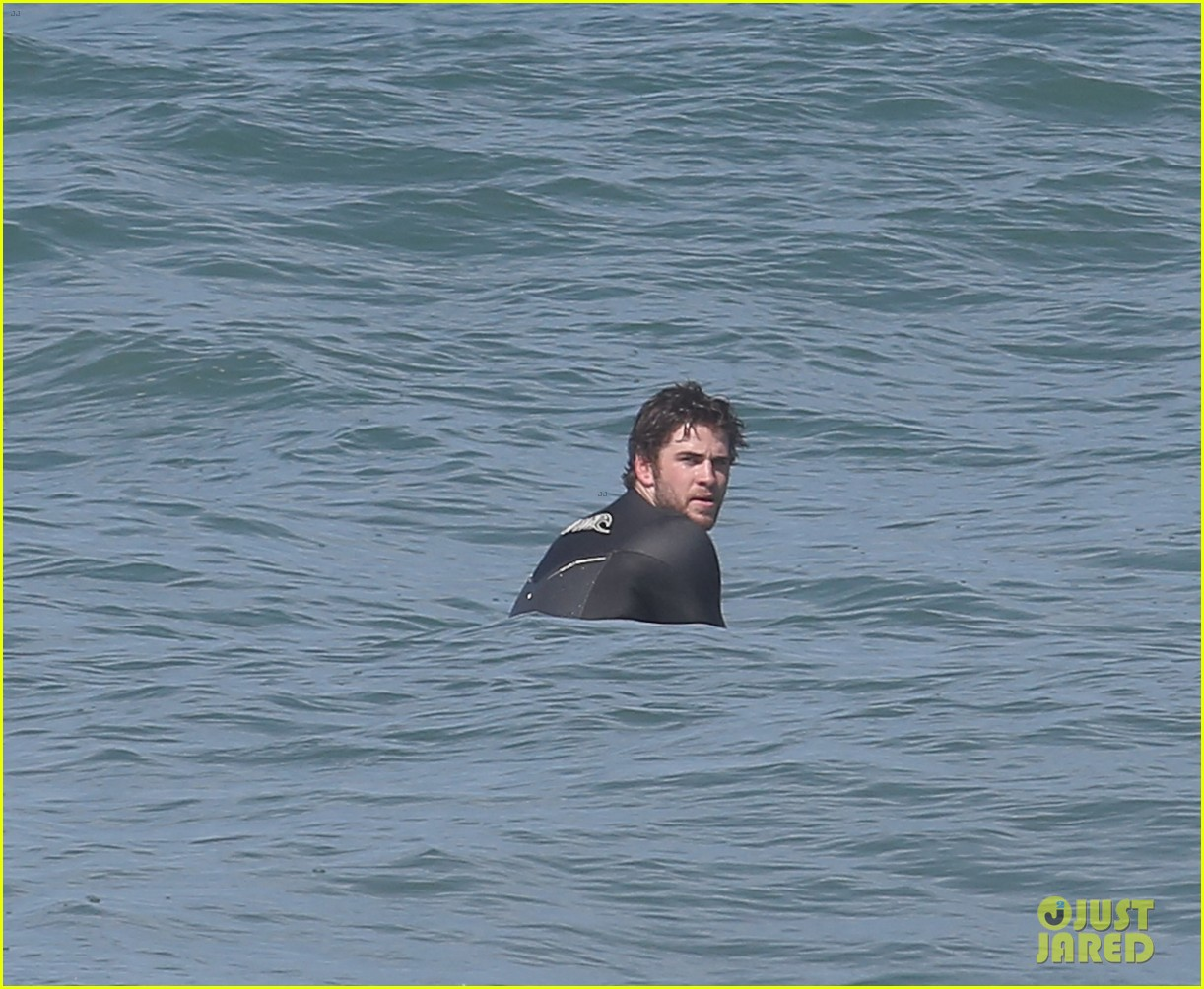 liam hemsworth hits waves malibu brother luke 073105143