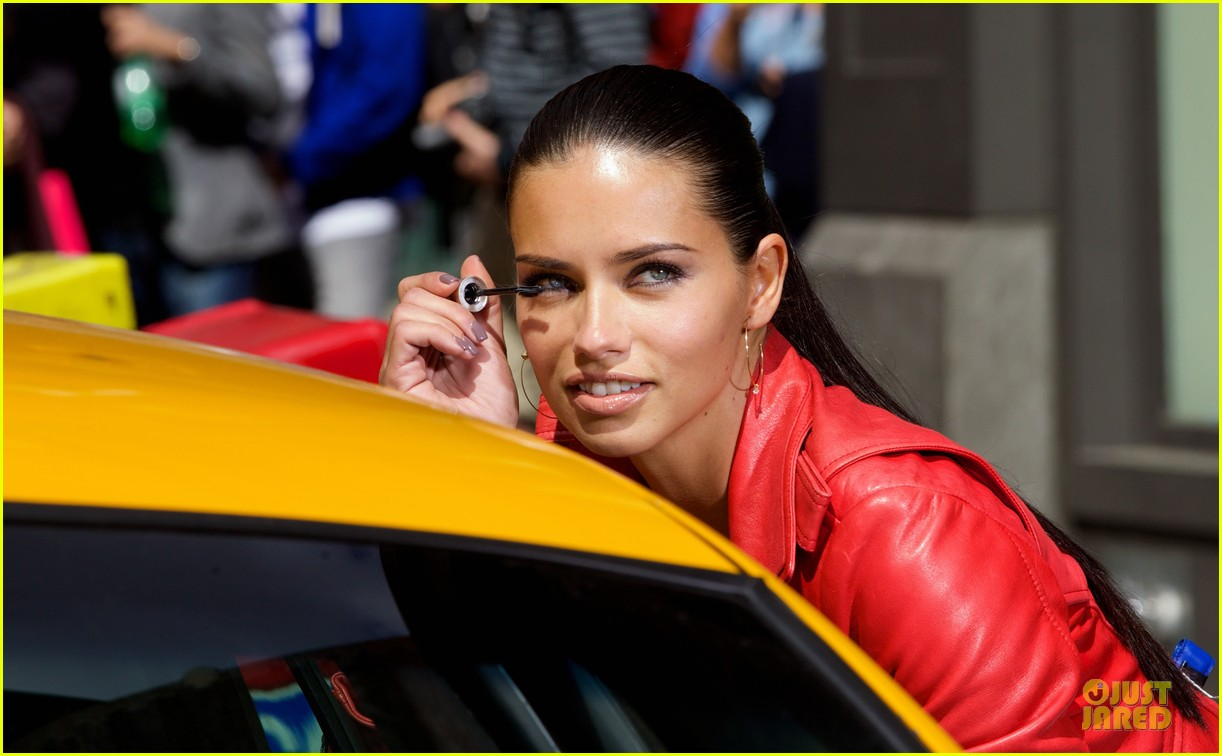 adriana lima maybe its maybelline soho 02