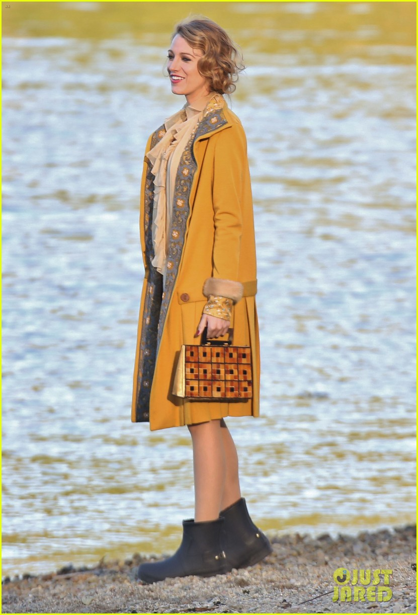 blake lively hits the beach in burnaby for age of adaline shoot 04