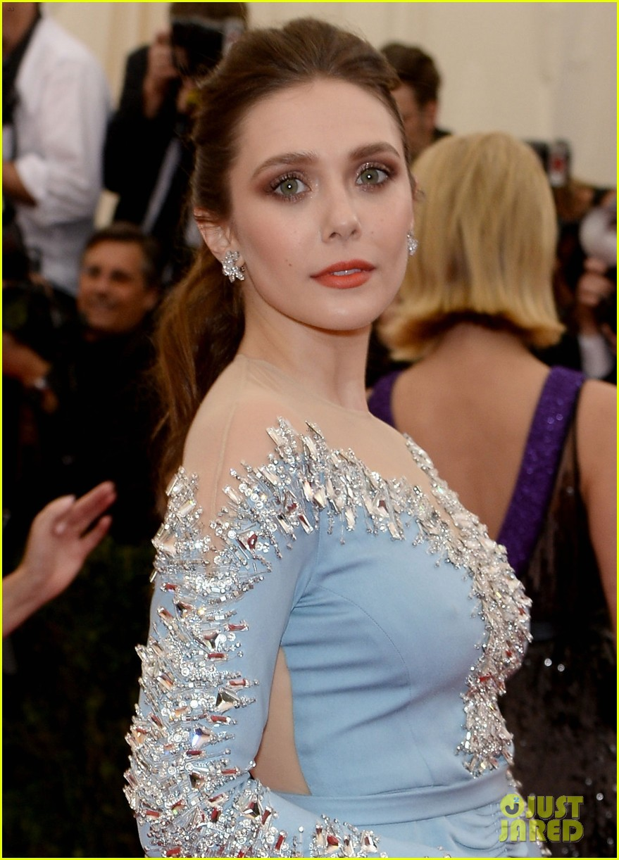 elizabeth olsen met ball 2014 red carpet 013106046