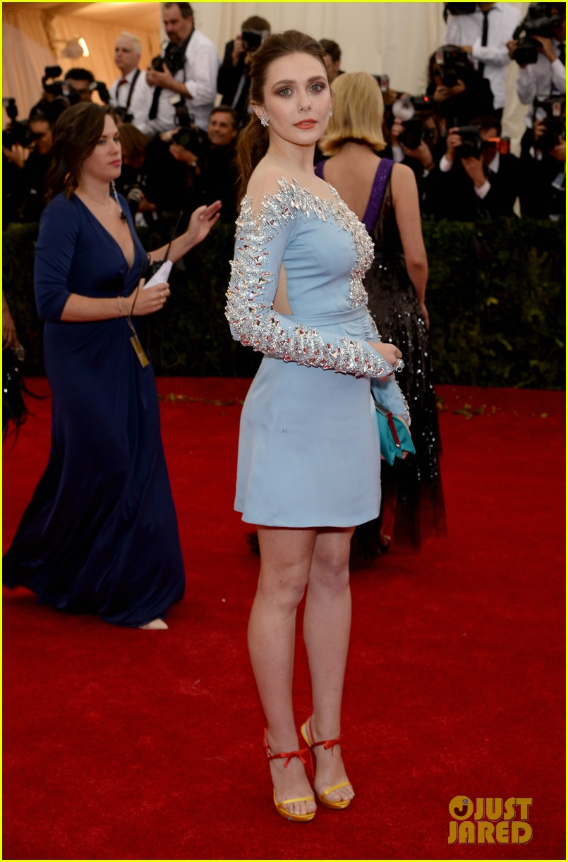 elizabeth olsen met ball 2014 red carpet 043106049