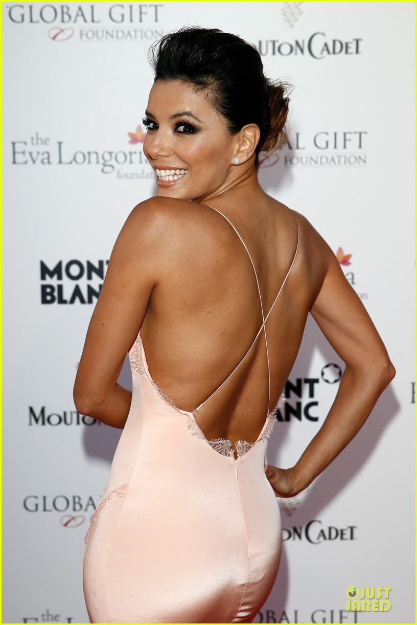 eva longoria sexy back cannes global gift gala 04