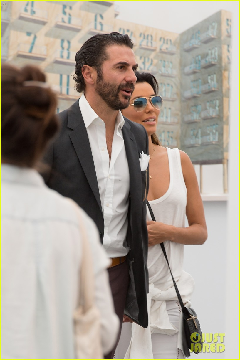 eva longoria boyfriend get cozy at fierze art festival 123111778