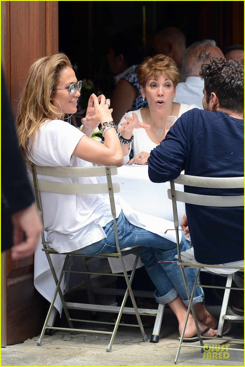 jennifer lopez mom guadalupe spend time after mothers day 13
