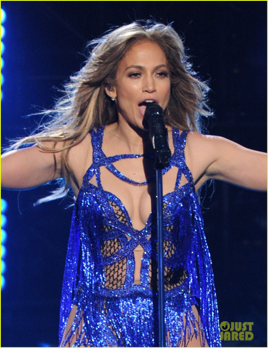 jennifer lopez performs first love american idol finale 023119354