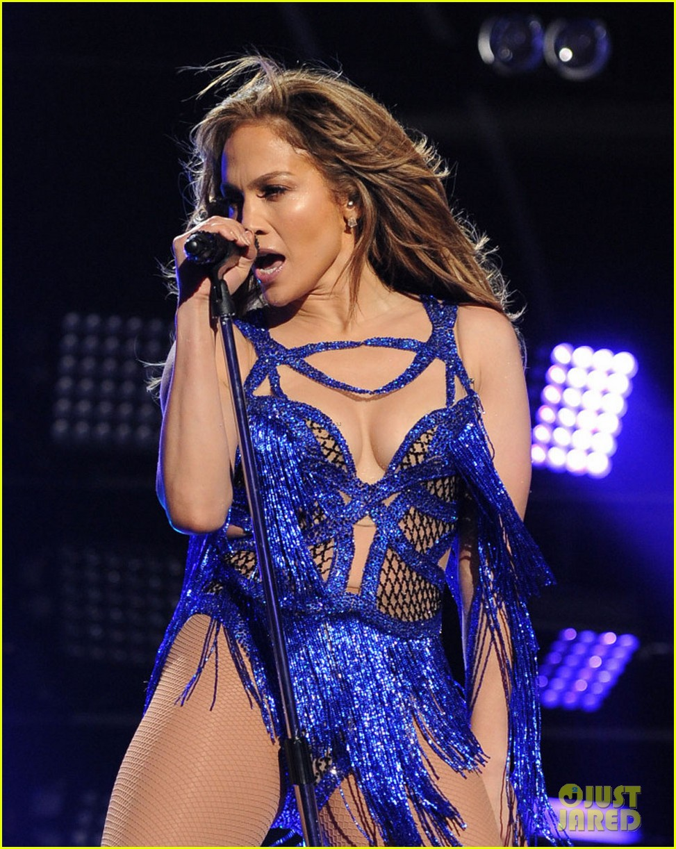 jennifer lopez performs first love american idol finale 043119356